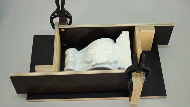 stuckkonsole aus gips abformerei. Black Bedroom Furniture Sets. Home Design Ideas